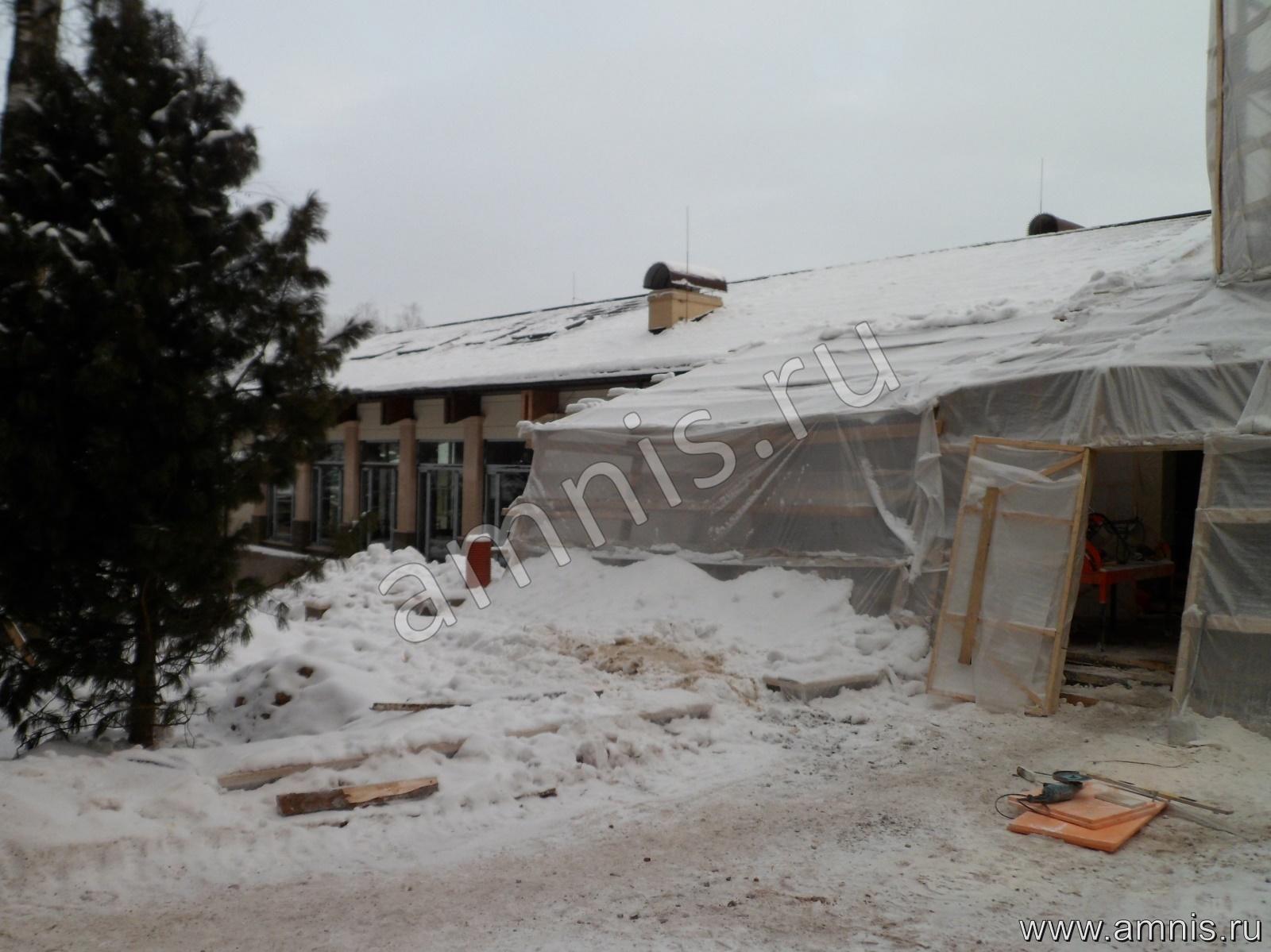 Молниеотвод на крыше дома